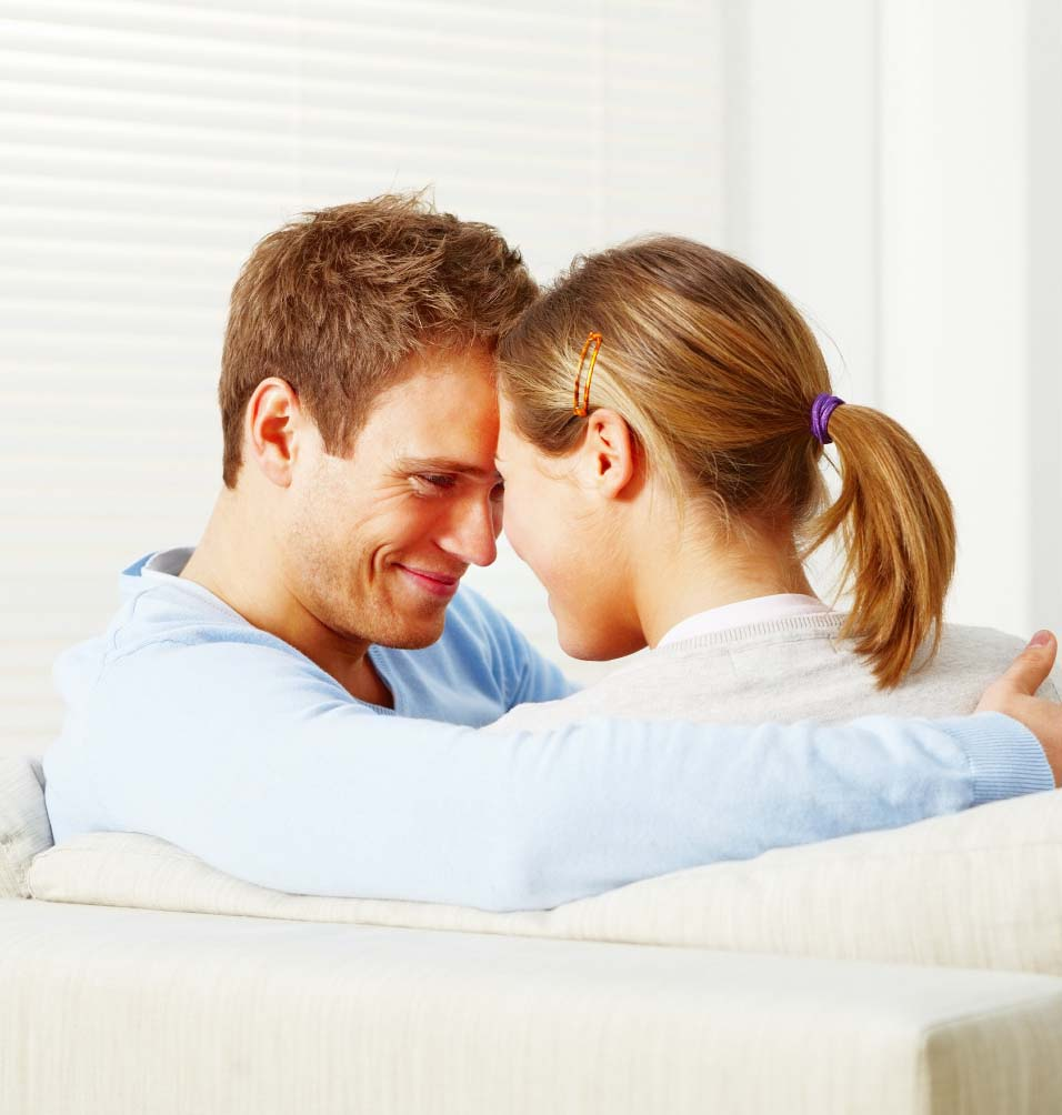 romantic gestures while dating Meet a romantic partner how to text a date  3 romantic gestures for  a scavenger hunt is a great way to have her spend a day thinking about you while.